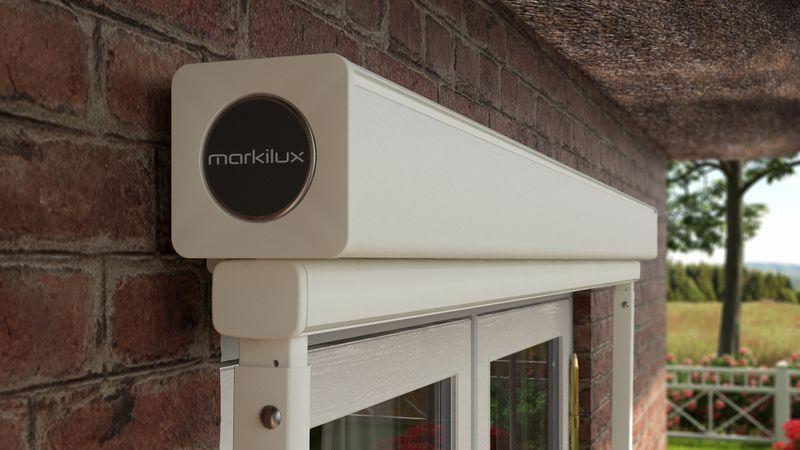 Fenstermarkise 730-Detail Haus mit Reet-201911
